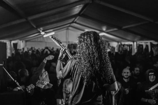 Kytarista metalové kapely Analepsy