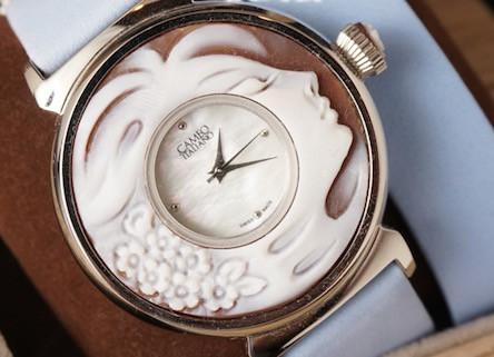 時代を映し出したカメオ時計