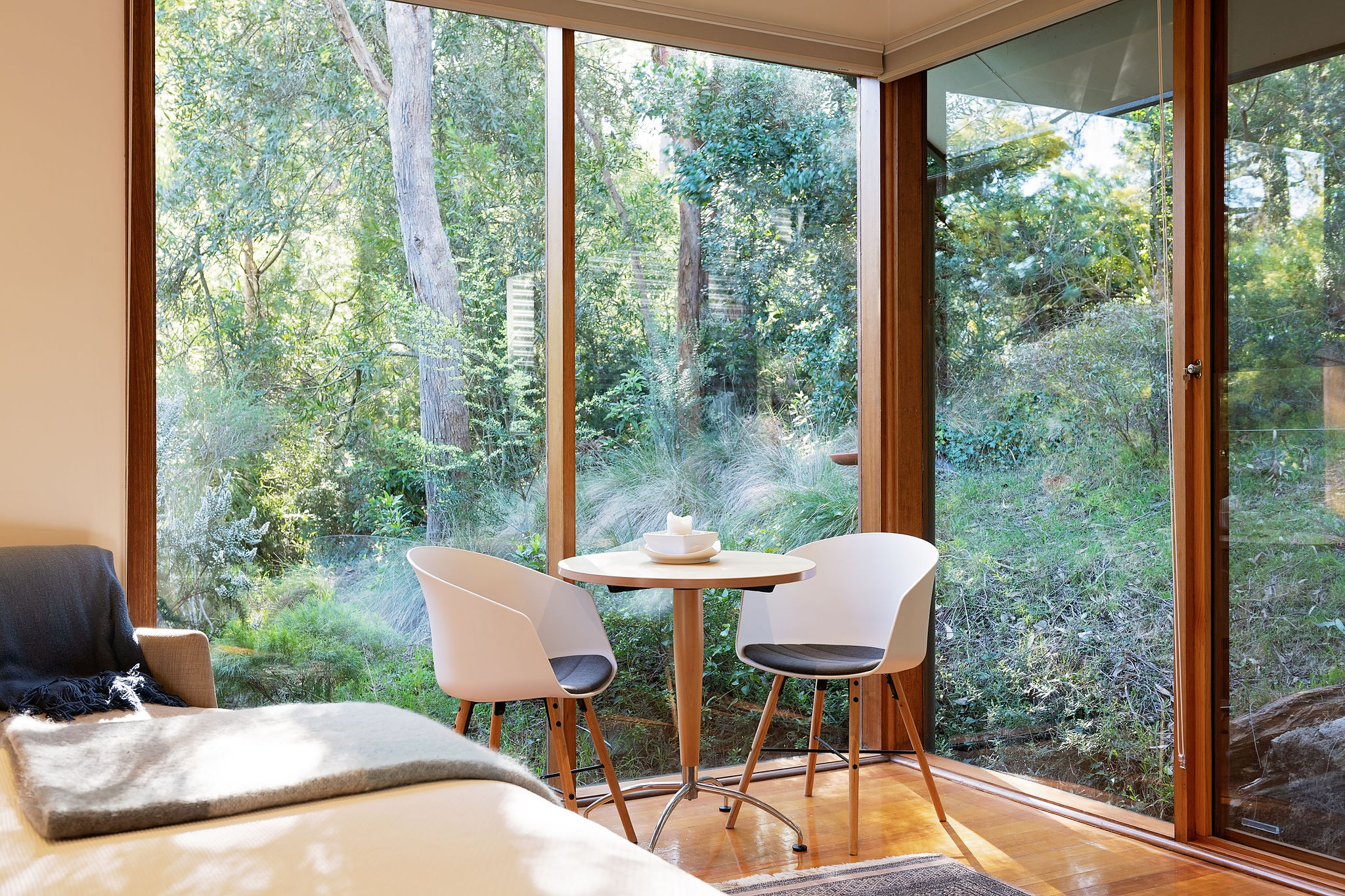Billabong breakfast nook
