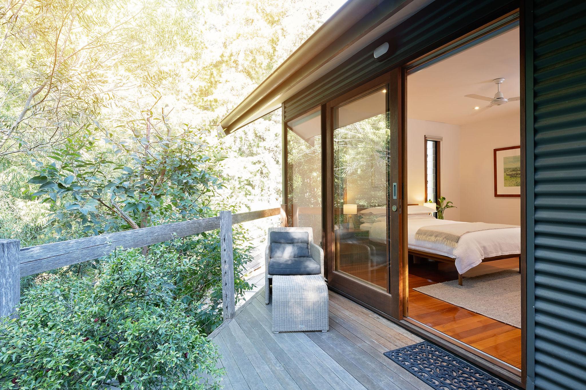 Gums deck to bedroom