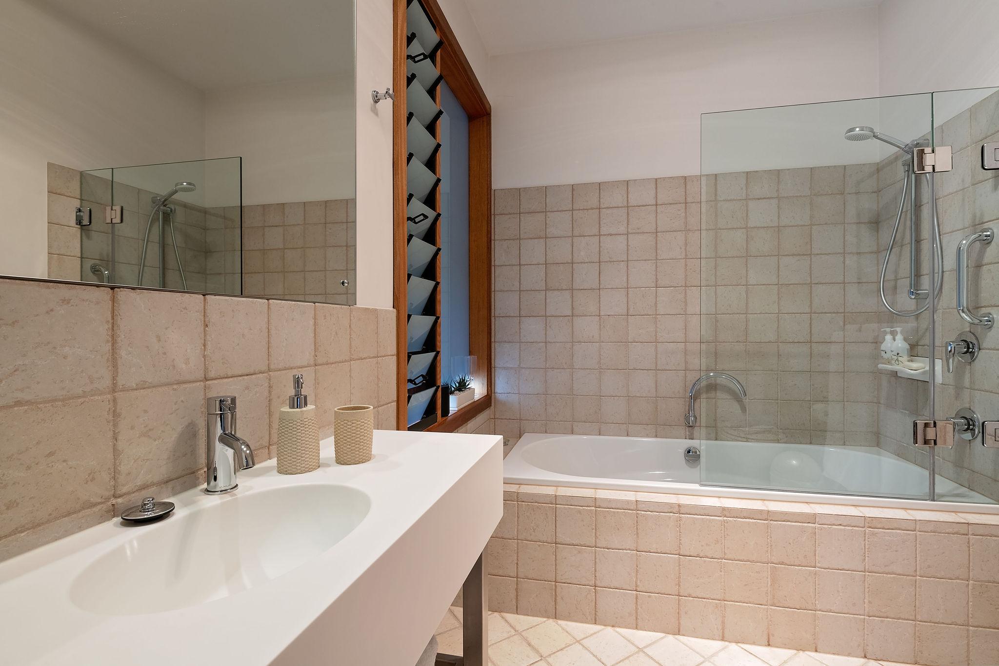 Billabong bathroom