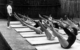 Joe-Pilates-mat-class-01.jpg
