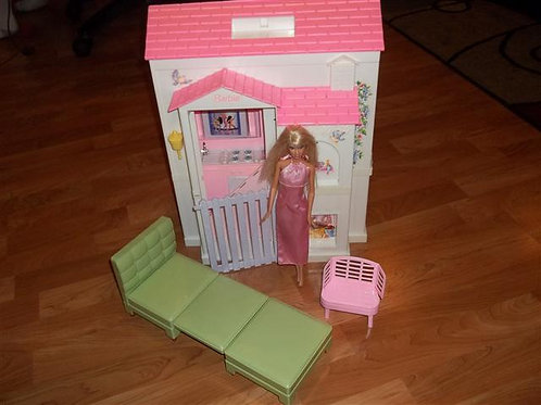 Mattel Fold up Barbie House (Barbie Sized)