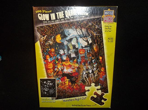 Master Pieces Monsters Night Out 100 pc