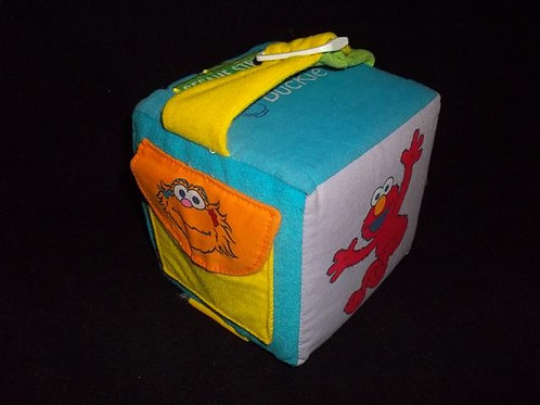 Sesame Street Dress Me Activity Cube