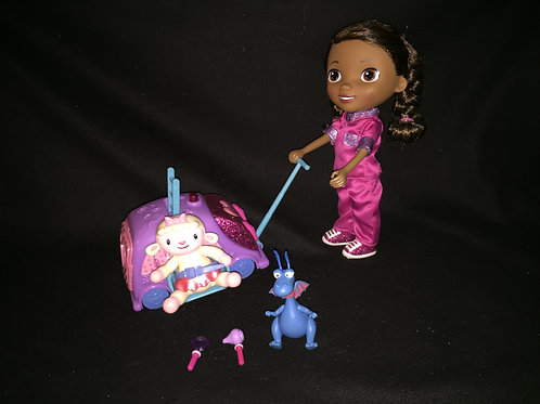 Disney Jr. Doc McStuffins Walk N Talk Doc Mobile