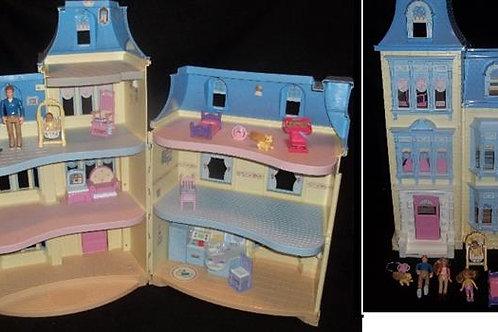 Loving Family Sweet Sounds Dollhouse