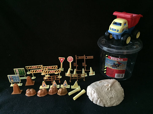 Tonka 30 Piece Construction set in a bucket