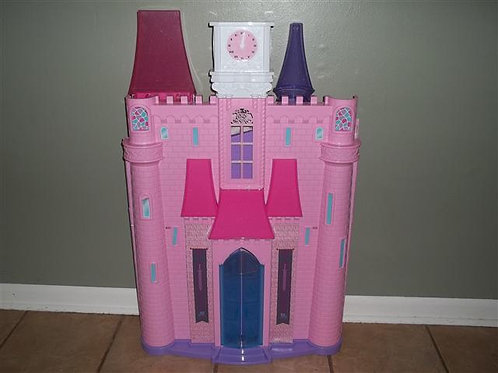 Folding Barbie house-2 story comes with a few acce