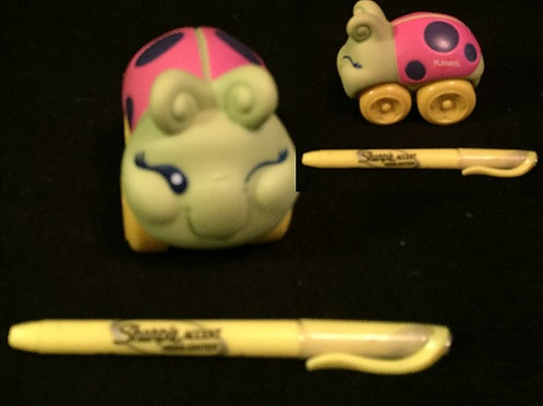 Wheel Pals Bugs - Green/Pink Ladybug