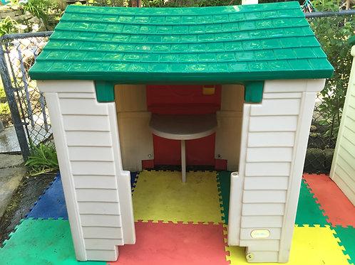 Little Tikes Barn playhouse #2