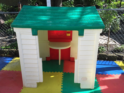 Little Tikes Barn playhouse #1