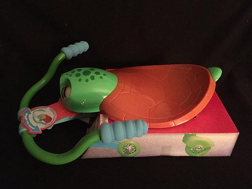 Razor Jr. Twisti Turtle -Green - 18 m+ (*NEW)