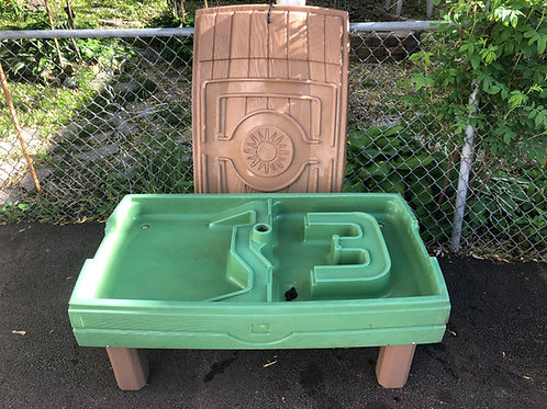Step 2 Sand and Water table with new sand/water accessories SET 1