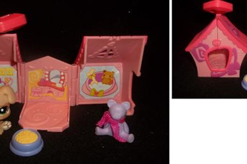 Littlest Pet Shop Dog House with accessories
