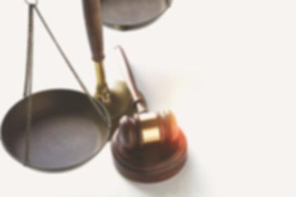 mentions légales, CGV, balance et marteau de la justice