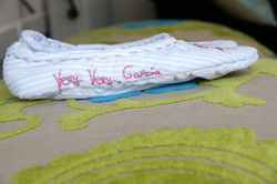 Zapatillas bordadas a mano.3