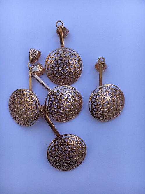 Pingente em prata 920 recoberto de ouro 12 quilates  Flor da vida