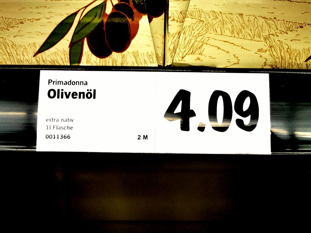 Wer bezahlt für dieses Niedrigpreisangebot Lidls einen hohen Preis? Die Olivenbauern Andalusiens (Foto: Master of Olive Oil)