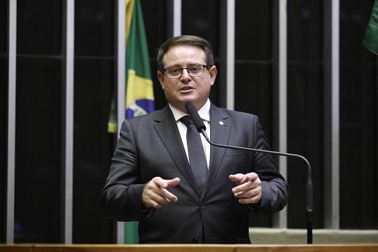 O deputado federal Ronaldo Santini (PTB) preside a Frente Parlamentar Mista em Defesa da Tradição e Cultura Gaúcha.