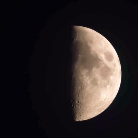 Simbolismo de la luna en Cuarto Creciente