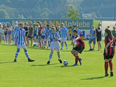 """""""Eurodobl"""" – ein Fußballfest im X-Large-Format"""