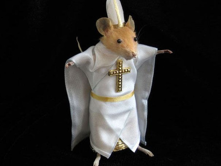 Design Blog: White-Crested Mouse - The God Mouse