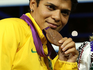 Adriana Araújo, lutadora baiana, disputa título mundial no boxe