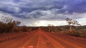 Čo sa dá zažiť v Austrálskej pustatine - 1400 km divočinou vnútrozemia z Perthu do Karijini
