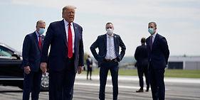 """""""حجز دونالد ترامب في مستشفى عسكري في واشنطن للعلاج من كورونا!"""""""