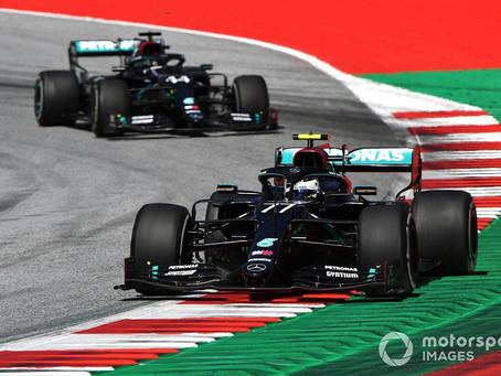Mercedes še naprej zmaguje; Ferrarijeva sezona za pozabo