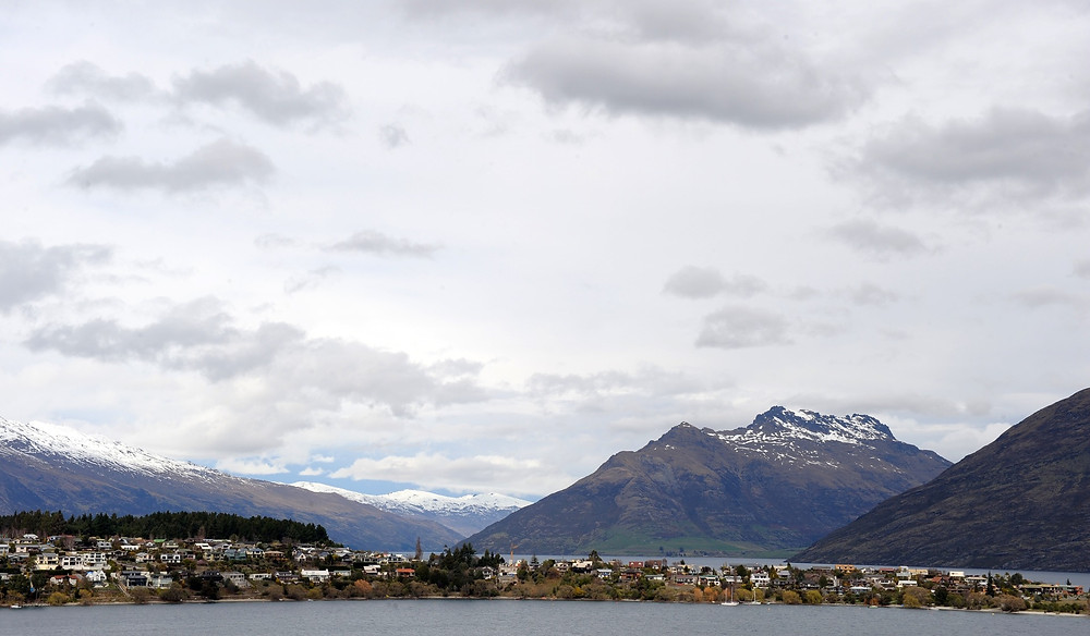 皇后鎮旁的Lake Wakatipu湖 (PAUL ELLIS/AFP via Getty Images)
