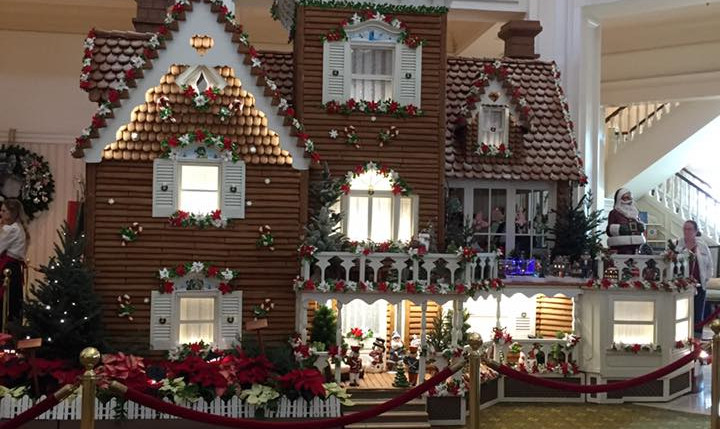 10 Must-Do Christmas Activities at Disney World