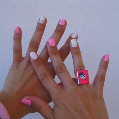 NOTW : Ροζ-Λευκό