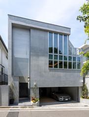 都内一等地に地上3階建てRC住宅の完成。