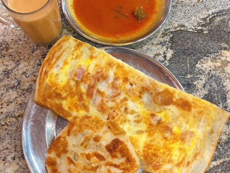 Singapore Hawker Food : Roti Prata - Plain & Sausage (Halal)