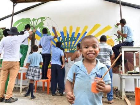 Víctimas pintan mural para dignificar el campo cordobés