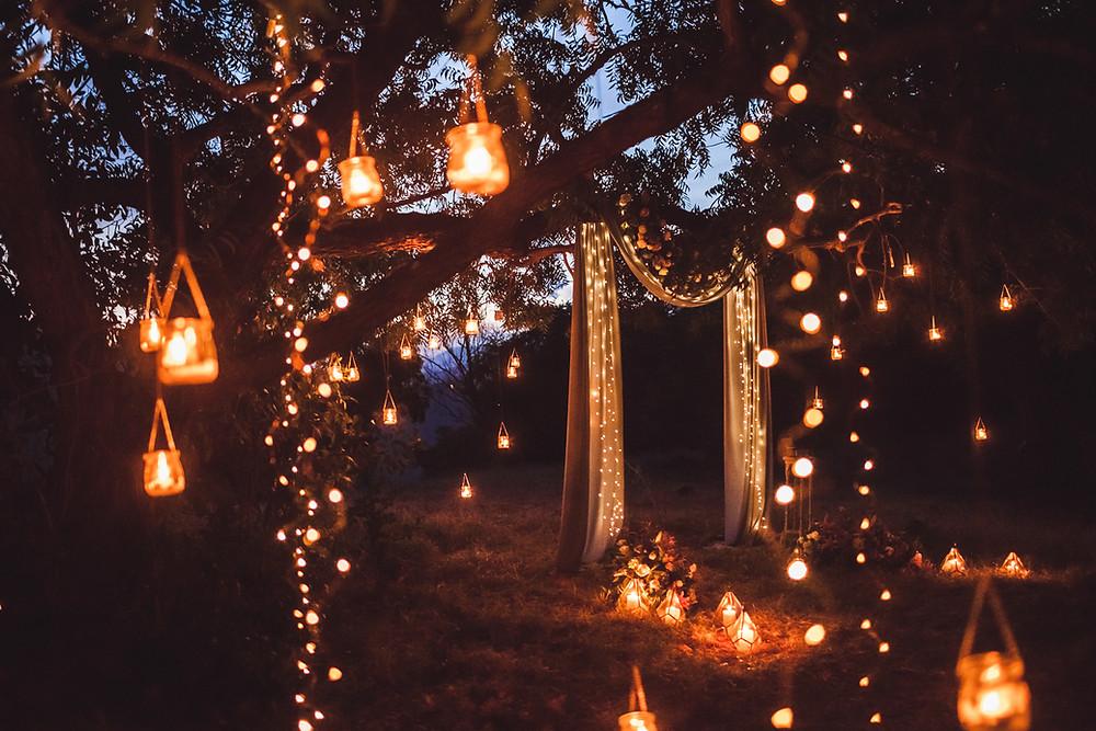 Beleuchtung auf einer romantischen Hochzeit