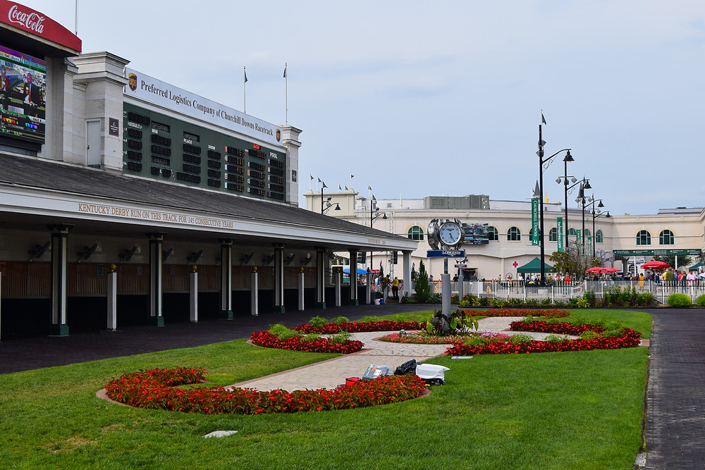 Churchill Downs paddock, Thoroughbred racetrack.