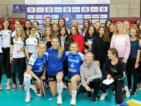 Die Mädels der Lechrain Volleys besuchen gemeinsam das Bundesligaspiel des Allianz MTV Stuttgart