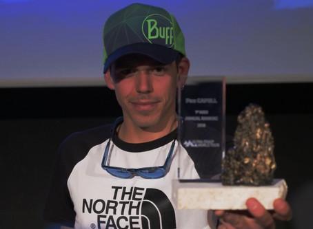 Reconocimiento a una brillante temporada .  Pau Capell Campeón del Mundo Trail