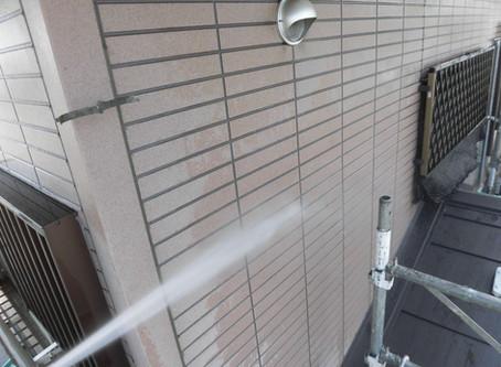 川越市で屋根外壁塗装工事が始まりました!!