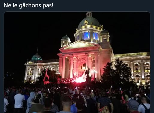La Serbie en feu