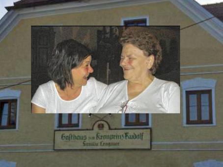 Jodelspaß mit Lili Lerner im Jodelgasthaus