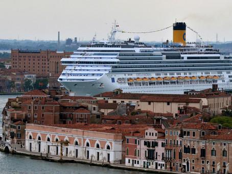 How to Hate Tourism Like an Italian