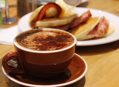 Британские медики раскрыли главную опасность утреннего кофе