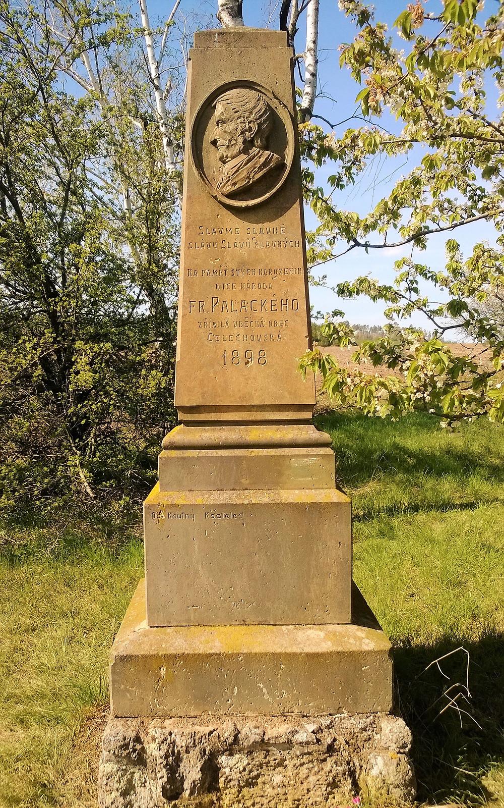 Pomník Františka Palackého u Košířských lomů