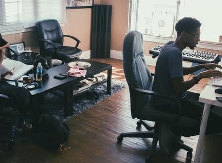 Studio...