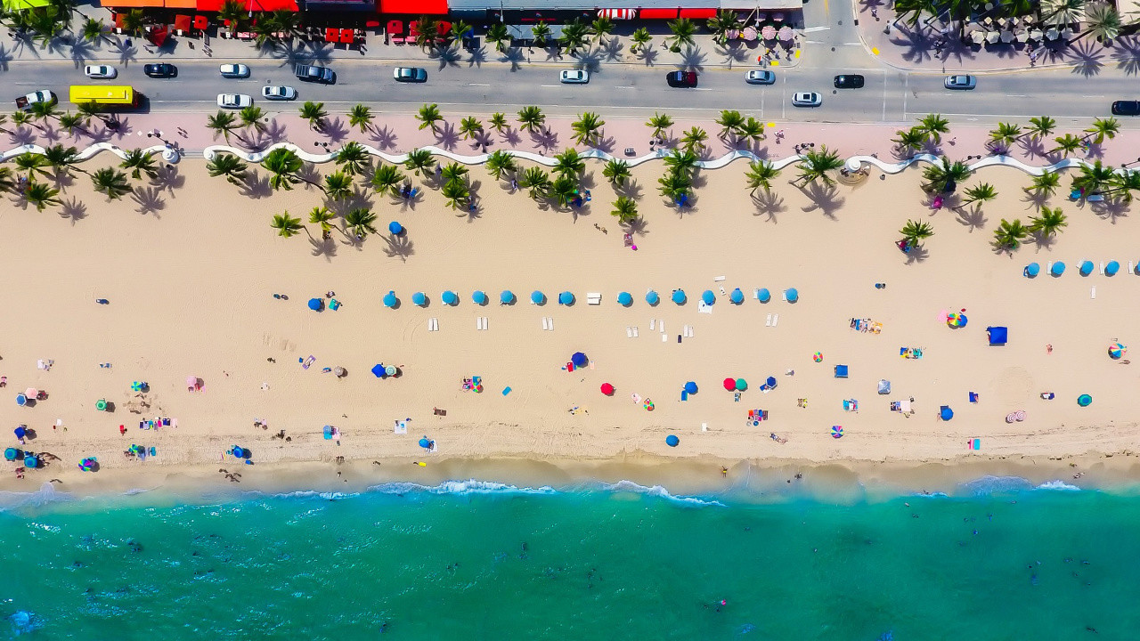 Fort Lauderdale's Blue Wave Beach