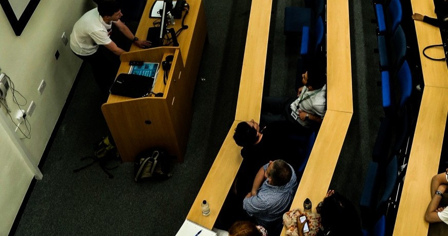 An overhead view of a lecture theatre
